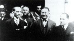 Mason içişleri bakanı Şükrü Kaya ve Atatürk