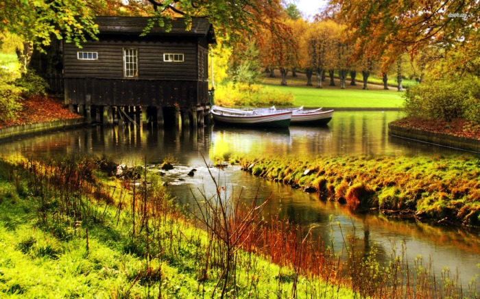 2706-wooden-lake-house-1680x1050-nature-wallpaper