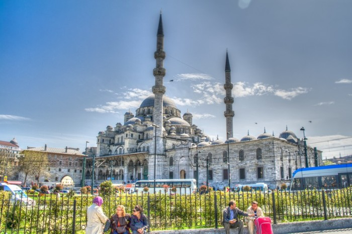 Istanbul-New-Mosque-Yeni-Camii-HDR
