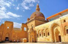 1024px-Ishak_Pasha_Palace1454