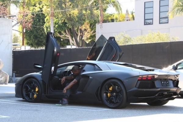 Kanye-West-Lamborghini-Aventador.jpg